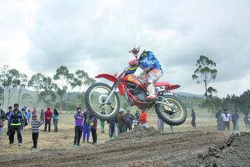 Velasco se corona en la competencia de motociclismo