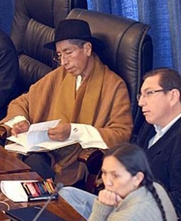 Hoy comienza el juicio contra Cusi en el Senado