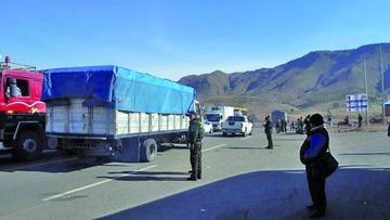 Se normaliza el tráfico en la carretera Potosí - Sucre