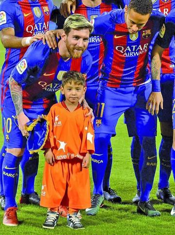 Niño afgano conoce a su ídolo Lionel Messi
