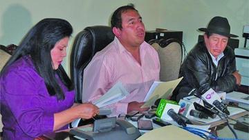 Opositores afirman que se hacen perforaciones mineras en  el Illimani