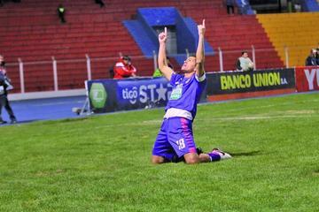 Saucedo va a la lucha por el título de goleador