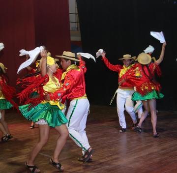 Bolivia se une con elencos de danza