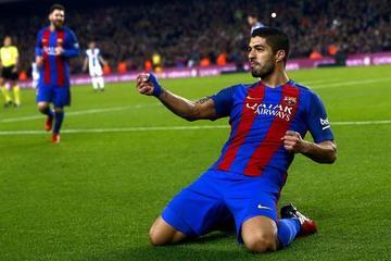 Luis Suárez alcanza a Messi en el liderato