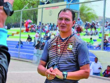 Nacional Potosí cesa a Sanz y apuesta por Leeb