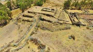 Encuentran pirámide escalonada en  un sitio arqueológico inca en el Perú