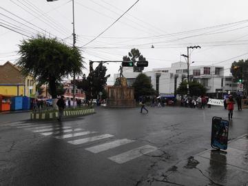 Médicos de la CNS bloquean las calles