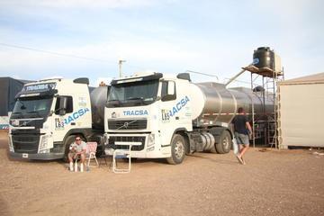 La ASO transporta su propia agua para los competidores