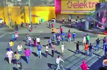 Los saqueos afectan a 250 tiendas en protestas en México