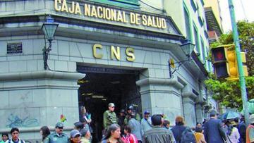 CNS debe Bs 7.1 millones a dos administradoras de pensiones