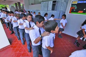 Colegios particulares deben emitir facturas: Impuestos
