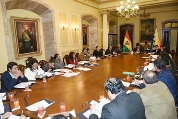 Conalcam y COB insisten a Evo Morales cambios en su gabinete