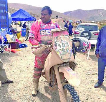 Nogales hace historia y sigue en el Dakar