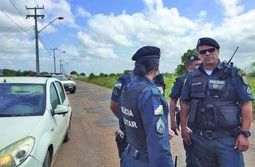 Más de 100 presidiarios siguen fugitivos en Brasil tras masacres