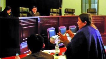 Juez suspende la audiencia por detención de Nemesia Achacollo