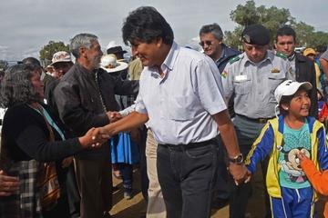 Presidente Morales felicita a los pilotos bolivianos