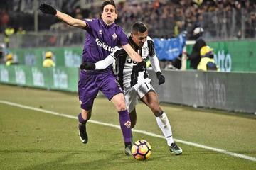 Fiorentina vence 2-1 a Juventus y reabre la Serie A italiana