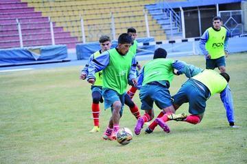Nacional Potosí rescinde contrato con Choque y Vargas