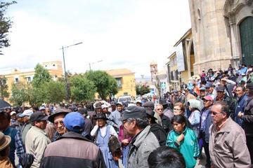 Jubilados anuncian dura lucha contra control de la Caja Nacional de Salud