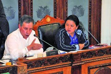 Asamblea Legislativa aprueban interpelación del ministro César Navarro