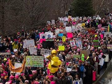 Mujeres marchan contra Donald Trump en diferentes naciones