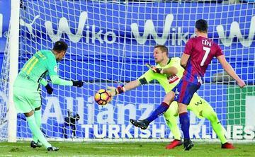 Barza y Sevilla asechan al Madrid