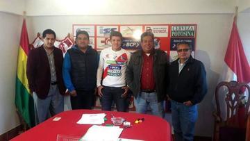 Miguel Hoyos refuerza la defensa de la banda roja