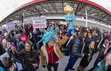 El veto a ciudadanos de países musulmanes desata protestas