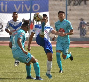 Bolívar golea 4-1 a San José