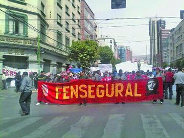 Los trabajadores de la CNS preparan huelga indefinida