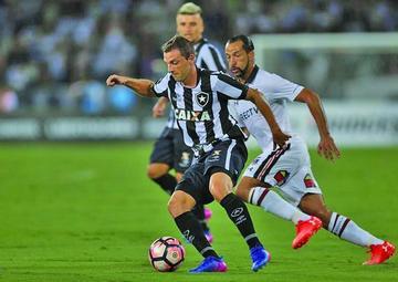 Botafogo vence a Colo Colo