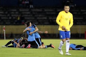 Uruguay vence 2-1 a Brasil