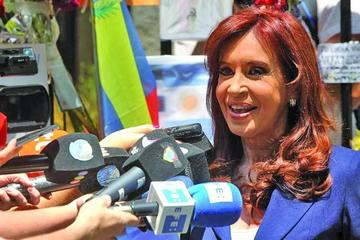 Expresidenta argentina declara por presunto lavado de dinero