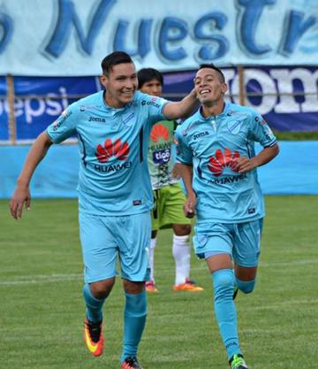 Bolívar gana y lidera el torneo