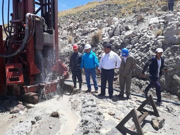 Aapos señala que el agua del pozo en Puitucani es apta para el consumo