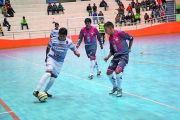 Pese a perder Potosí clasifica a la semifinal de futsal