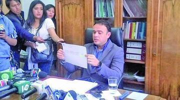 Gerente de la CNS inicia proceso contra dirigentes por difamación