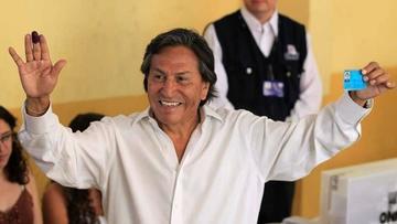 Toledo afirma que no es fugitivo y Perú espera posible extradición