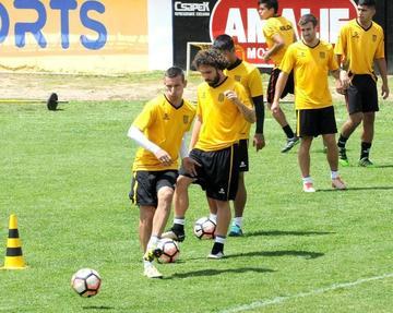 Unión Española recibe  hoy al Tigre