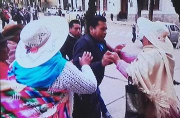Varias mujeres golpearon al presidente de la Fedjuve