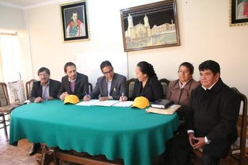 Cotap firma contrato para consolidar la transmisión de los cotejos de la Liga