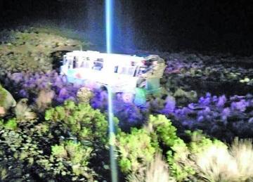 Embarrancamiento de bus deja un muerto y 8 heridos