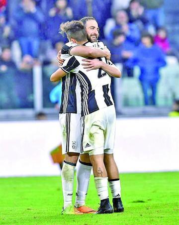Dybala e Higuaín le dan el triunfo a Juventus