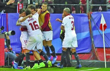 Sevilla se lleva una sufrida victoria ante Leicester