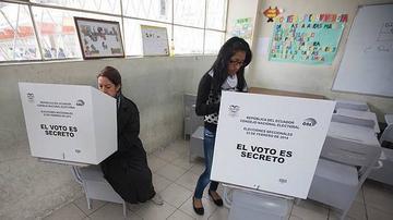 Planifican segunda vuelta para elegir al presidente en Ecuador