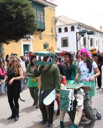 La Domingo Savio mostró Festival Carnavalero 2017