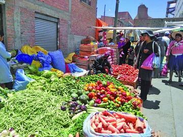 Mercados tienen variedad de productos