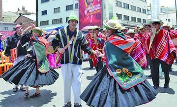 Más de 40 grupos y centros participan en el Jisk'a Anata