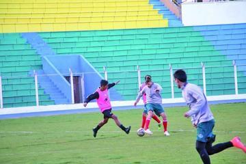 Leeb empieza a armar el equipo que recibirá a Sport Huancayo