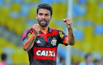 Atlético Paranaense se refuerza con Eduardo Silva